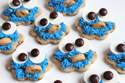 cookie-monster-buttercream-frosted-cookies